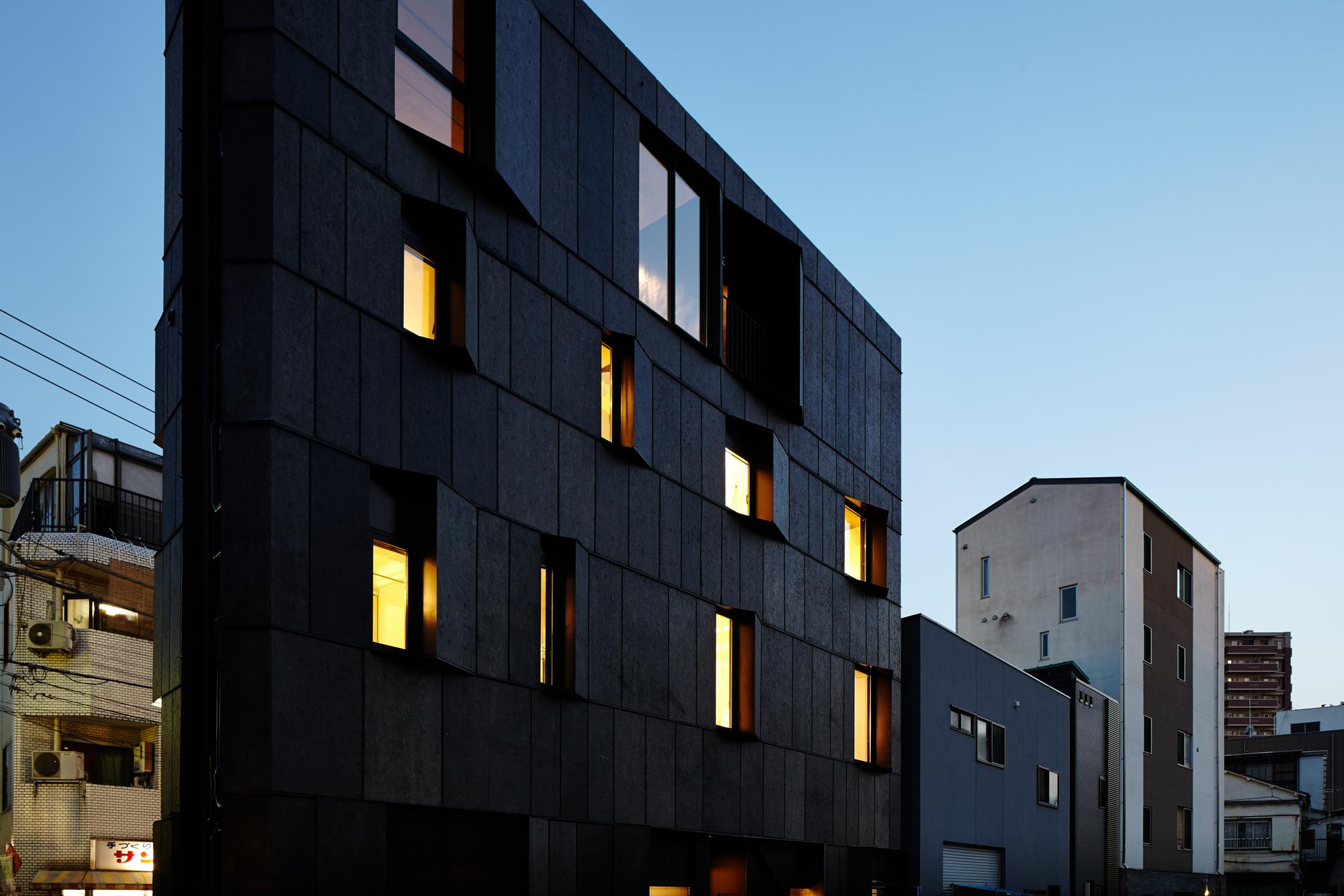 546d5367e58ece3d87000074_kuro-building-kino-architects_hikb_145