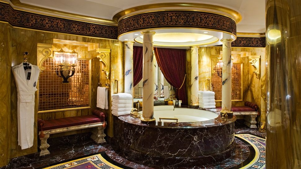 Arabian-style-luxury-gold-bathroom