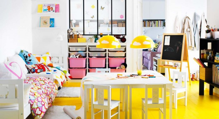 IKEA-Childs-room-bright-yelow-and-white-theme-pink-accents-700x380
