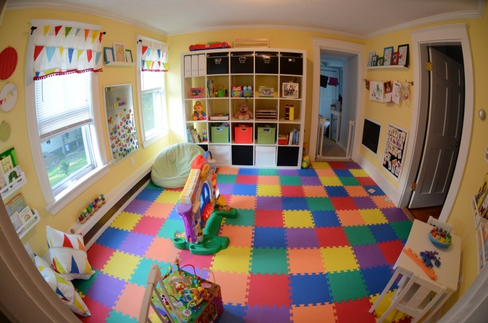 Kerrys-Papercrafts-jigsaw-flooring-childs-room-700x463