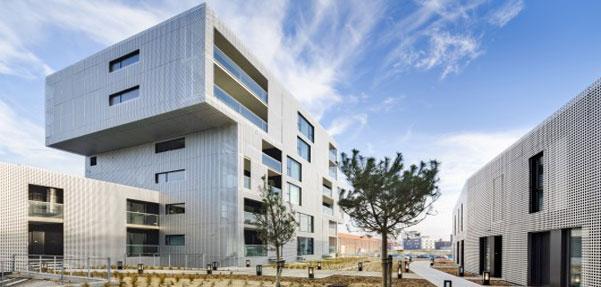 طراحی بسیار مدرن مجتمع تجاری-مسکونی در فرانسه