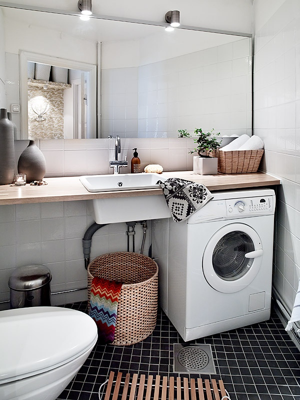 Scandinavian-style-practical-bathroom
