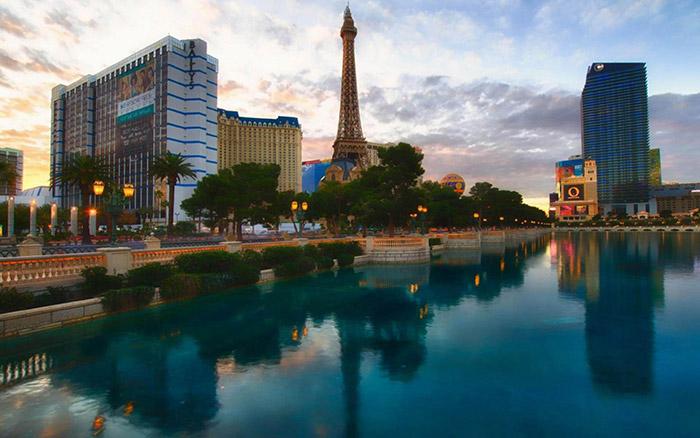 Sunrise-Strip-Las-Vegas-Nevada-United-States-1800x2880-1