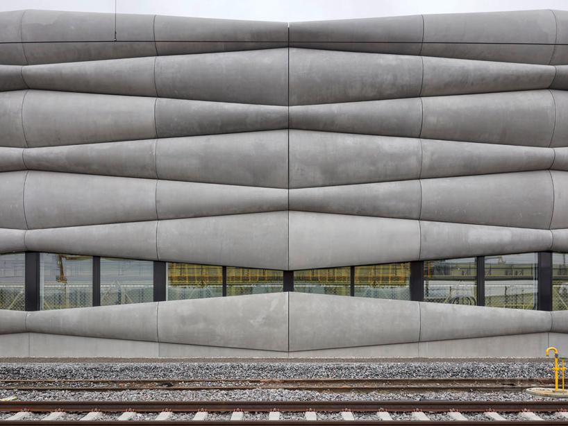 em2n-extension-railway-designboom-04