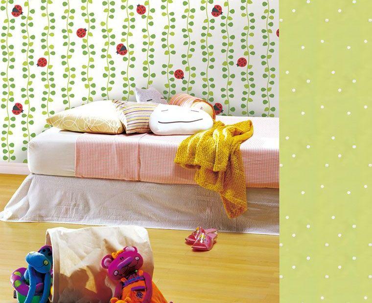 green-white-ladybug-wallpaper
