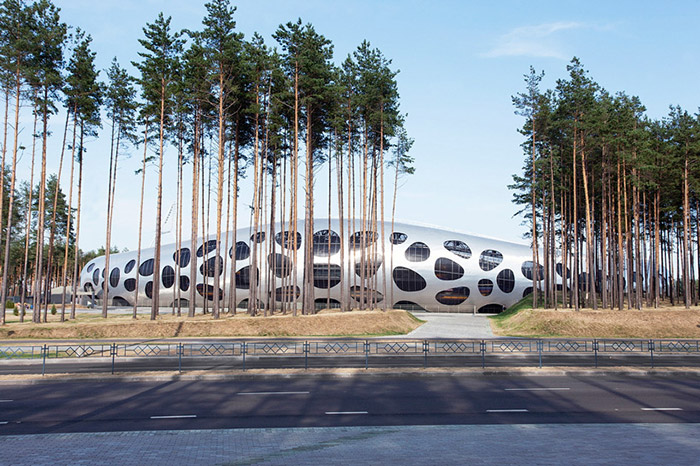 ofis-architects-football-stadium-arena-borisov-designboom-02