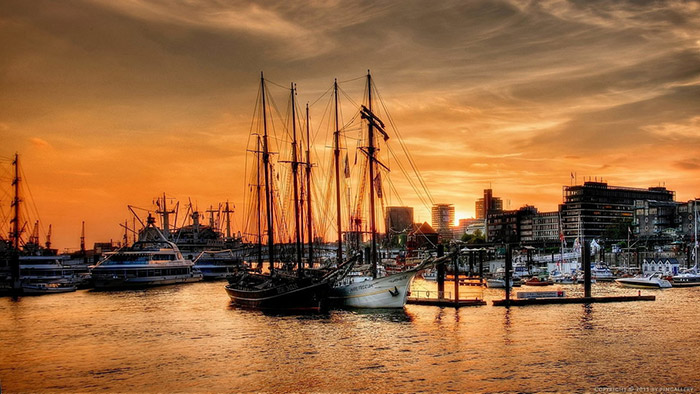 sunset_in_the_port_of_hamburg_by_pingallery-d3e1o09