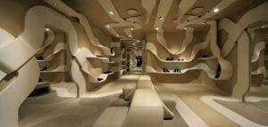 طراحی داخلی فروشگاه کفش Stuart Weitzman در رم