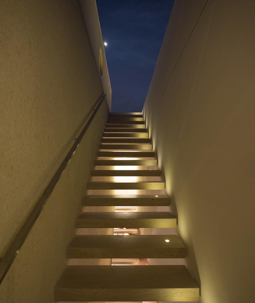 54604187e58ece1aae000163_tetris-house-studiomk27_mk27_l_fernandoguerra_-39--840x1000