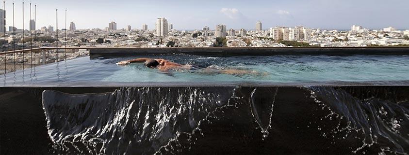 طراحی آپارتمانی با دیوار شیشه ای و چشم اندازی خیره کننده