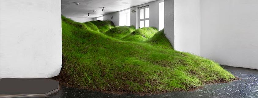 ایجاد فضایی بی نظیر با آبشاری از چمن در گالری شهر اسلو
