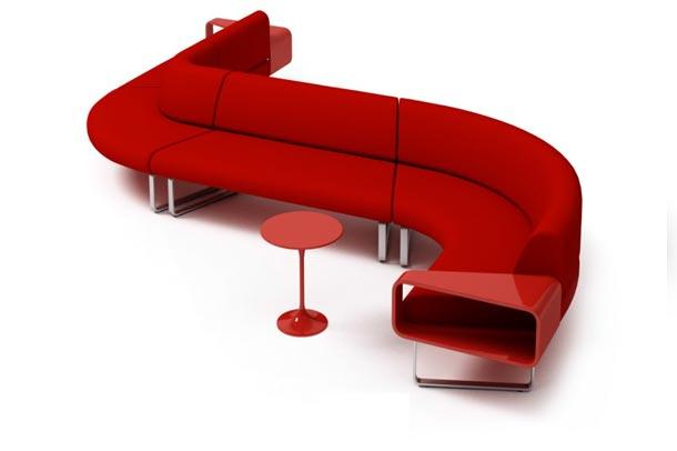 مبلمان قرمز منحنی شکل