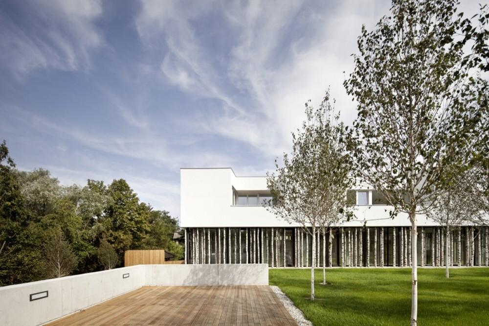 52aa7392e8e44ee88f000075_ordination-vienna-woods-juri-troy-architects_05-1000x666