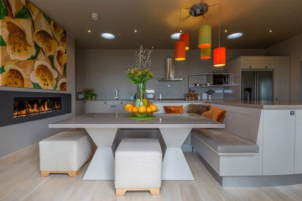 آشپزخانه ای در انگلستان ; ترکیبی از طراحی مدرن و زیبایی شناسی رنگ ها