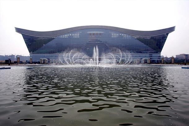 مرکز جهانی قرن جدید ; بزرگترین ساختمان جهان