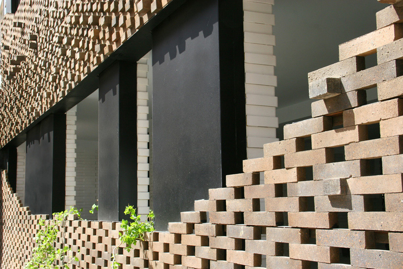 habibeh-madjdabadi-alireza-mashhadimirza-house-of-40-knots-bricks-persian-carpets-tehran-iran-designboom-01