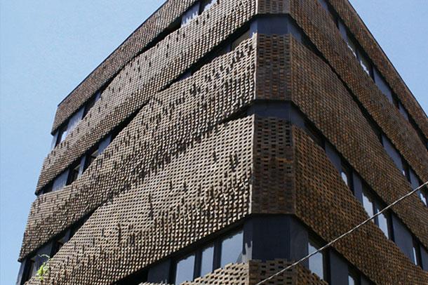 خانه چهل گره (House of 40 Knots) ;  فینالیست جایزه جهانی آجر 2014