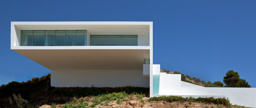 houseonthecliff05