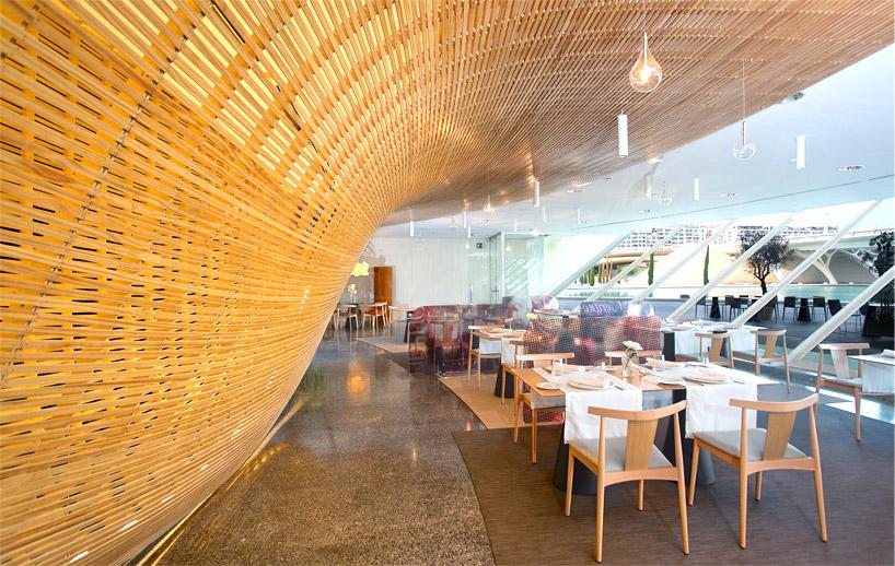 janfridesign-gglab-contrapunto-restaurant-timber-designboom-01