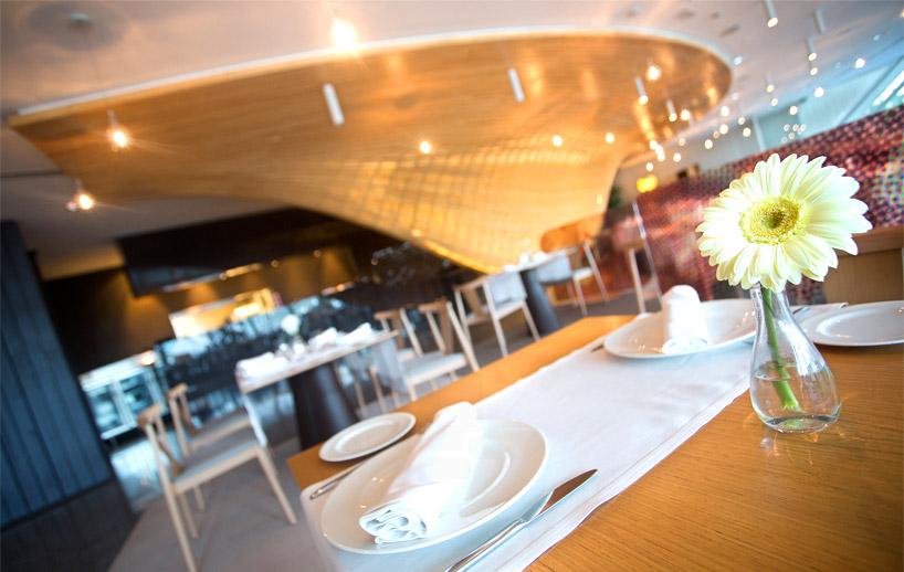 janfridesign-gglab-contrapunto-restaurant-timber-designboom-06