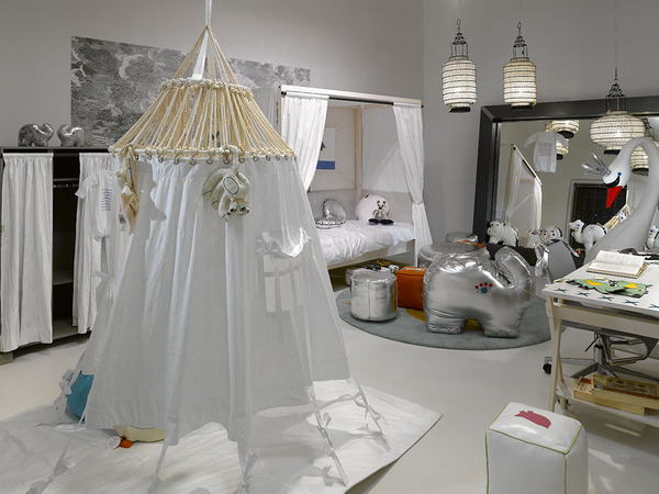white-moroccan-style-room