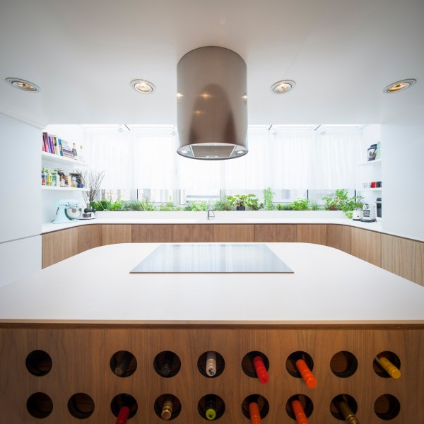 wine-storing-kitchen-island-600x600