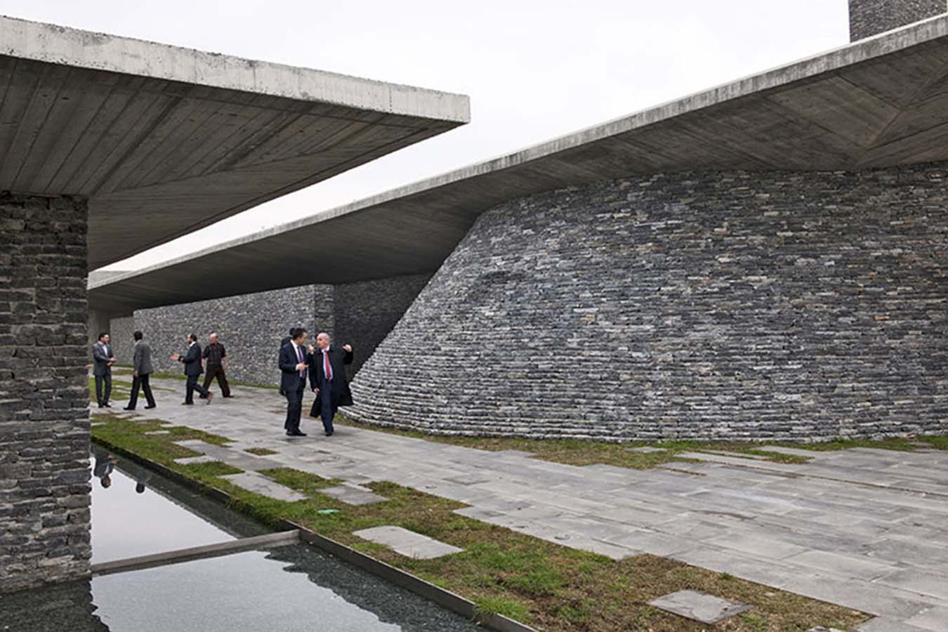 04-Emre-Arolat-Architects-Sancaklar-Mosque