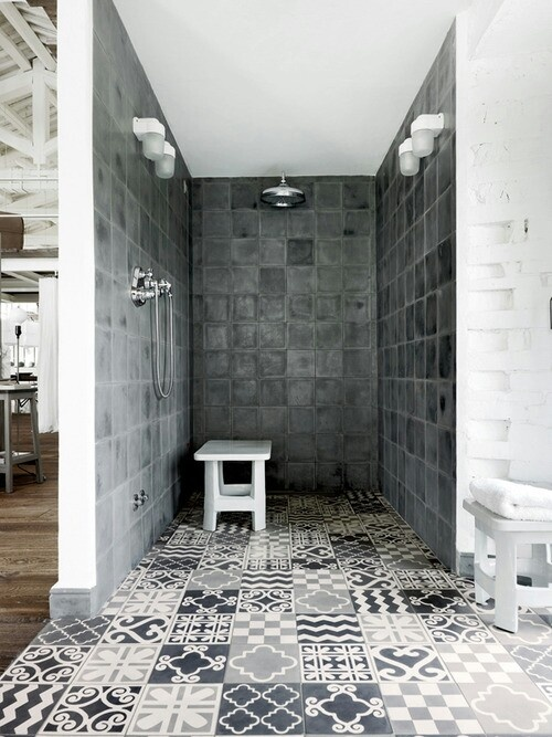 15-Patterned-shower-room-tiles