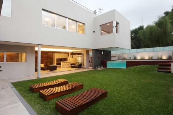 3-Modern-backyard-landscape-582x389