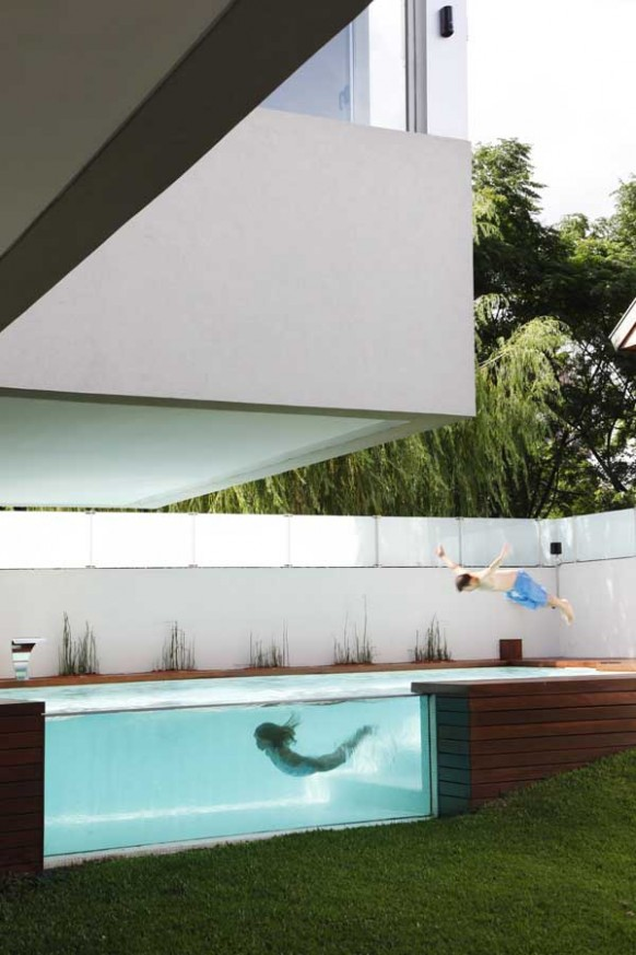 4-modern-Glass-wall-pool-582x873
