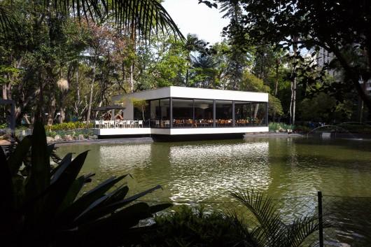 5497a483e58ece06f00000ff_lake-s-restaurant-mass-arquitetura_13209-mass-restlago-013-archdaily-530x353