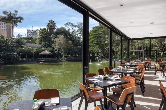 5497a593e58ecede0500013c_lake-s-restaurant-mass-arquitetura_13209-mass-restlago-123b-archdaily-530x353