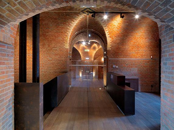 54d0532de58ece99010004c7_ichot-gate-of-poznan-ad-artis-architects_ichot_0012