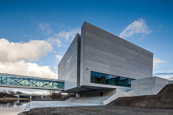 54d054fbe58ece99010004d4_ichot-gate-of-poznan-ad-artis-architects_portada_ichot_001