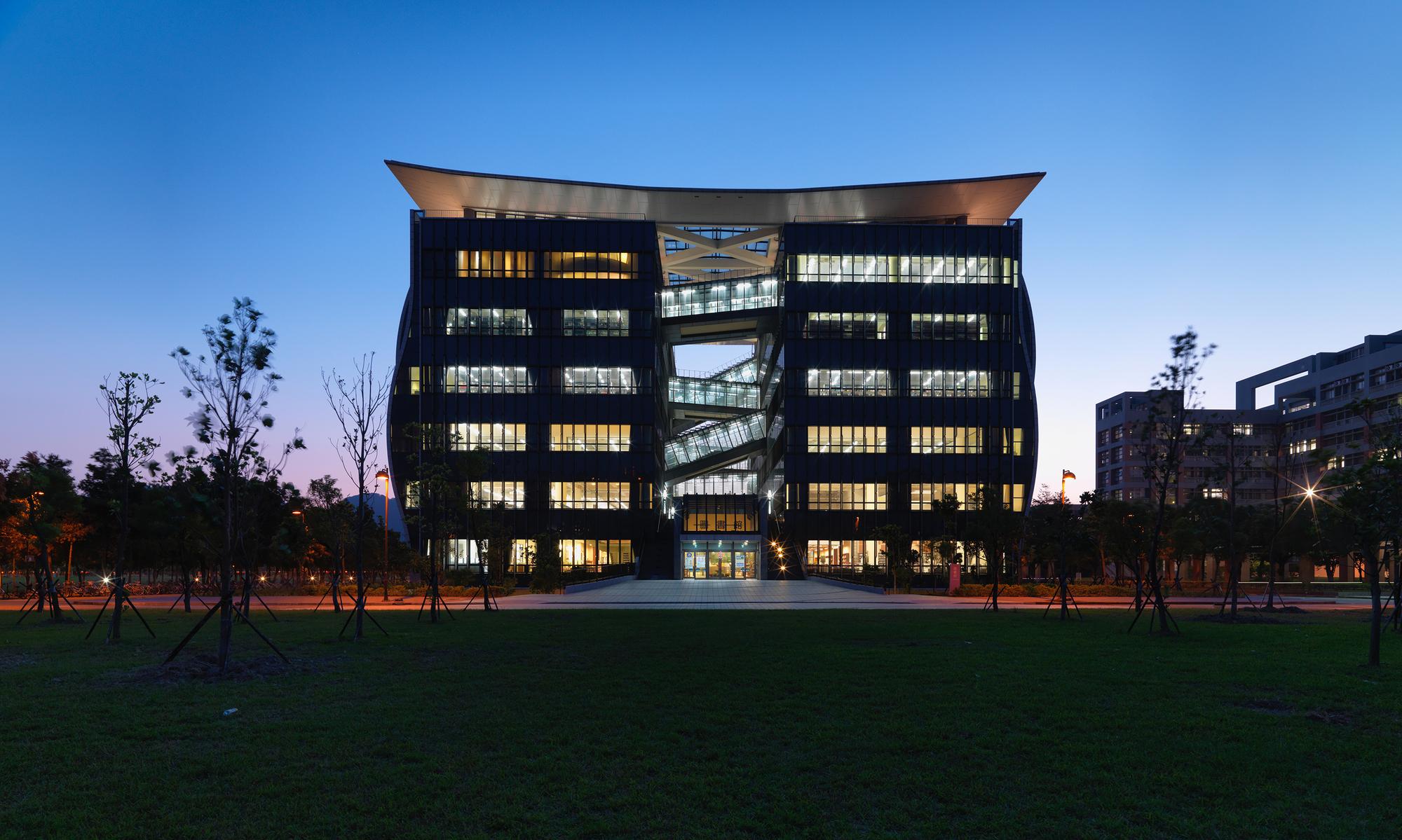 54d085fde58ece5c5e0004cc_taipei-univesity-library-liao-architect-associates_ssly_13931