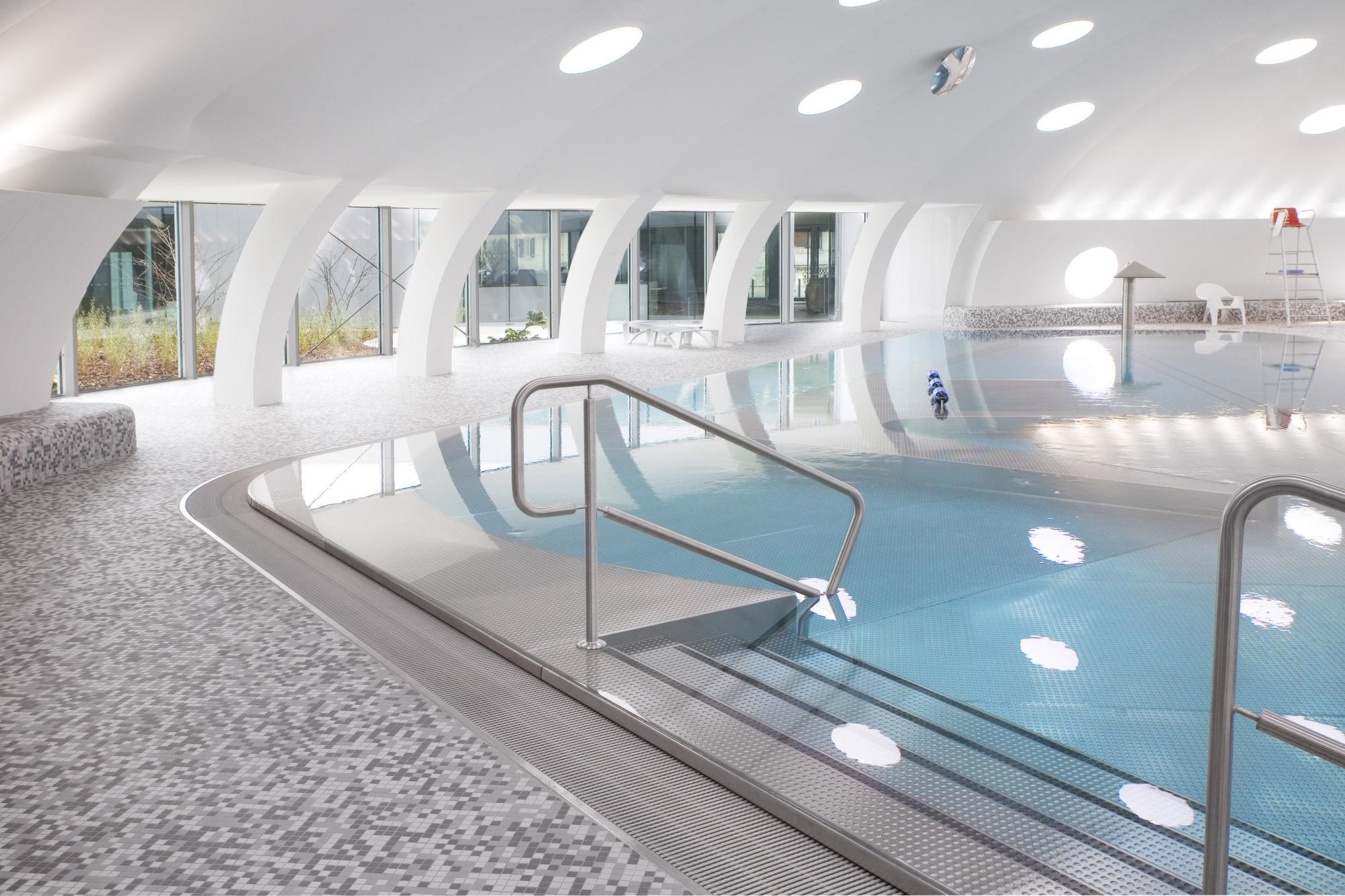 54dc1368e58ece826e00009f_-tournesol-swimming-pool-refurbishment-urbane-kultur_05