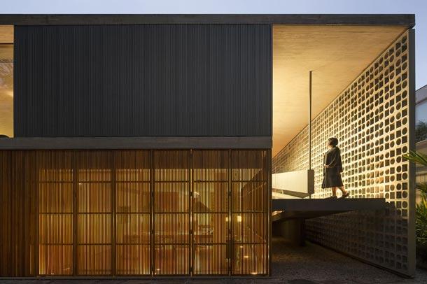 معماری متفاوت وجذاب درخانه