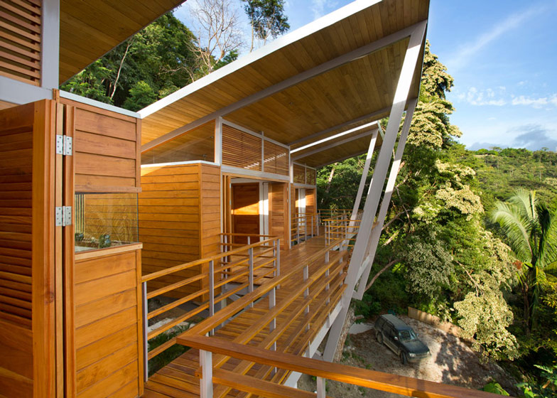 Casa-Flotanta-by-Benjamin-Garcia-Saxe-Architecture-is-raised-above-a-forest_dezeen_ss_24