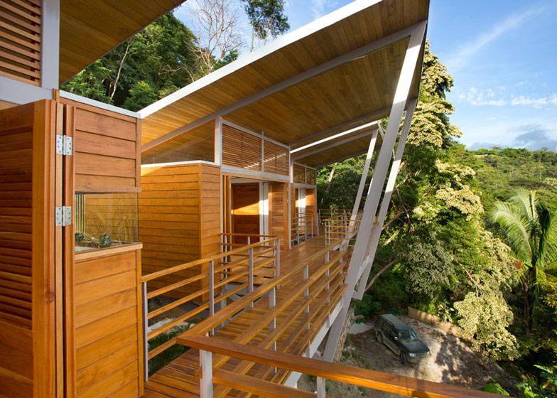 Casa-Flotanta-by-Benjamin-Garcia-Saxe-Architecture-is-raised-above-a-forest_dezeen_ss_24