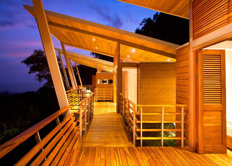 Casa-Flotanta-by-Benjamin-Garcia-Saxe-Architecture-is-raised-above-a-forest_dezeen_ss_26