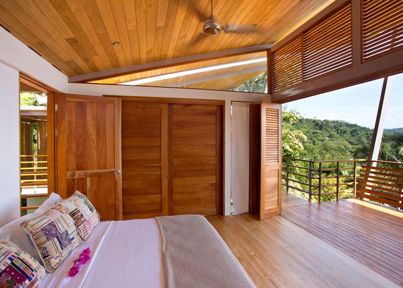 Casa-Flotanta-by-Benjamin-Garcia-Saxe-Architecture-is-raised-above-a-forest_dezeen_ss_4