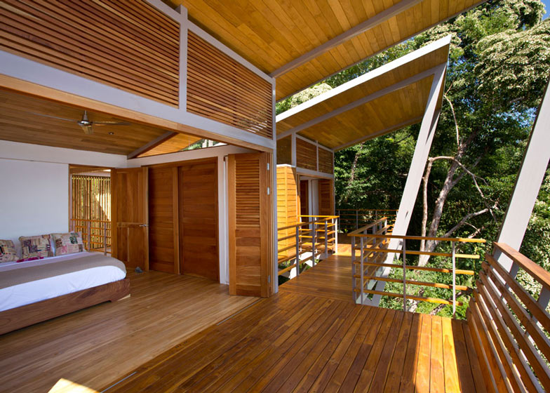 Casa-Flotanta-by-Benjamin-Garcia-Saxe-Architecture-is-raised-above-a-forest_dezeen_ss_5