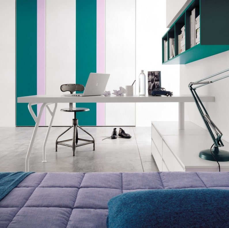 Teal-lilac-stripe-study-bedroom