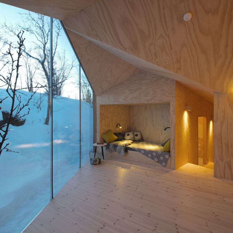 Timber-Retreat-By-Reiulf-Ramstad-Architects-12