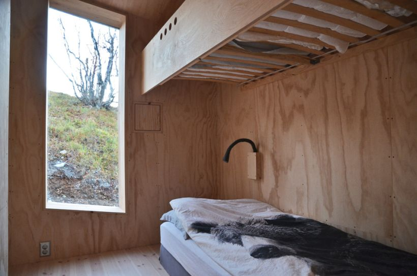 Timber-Retreat-By-Reiulf-Ramstad-Architects-14