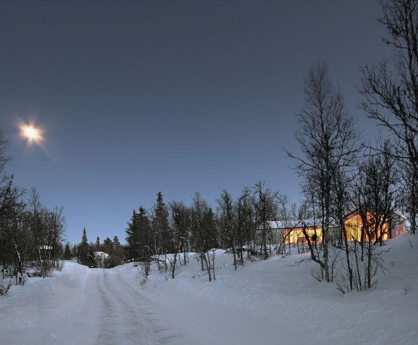 V-lodge-by-Reiulf-Ramstad-Architects-2