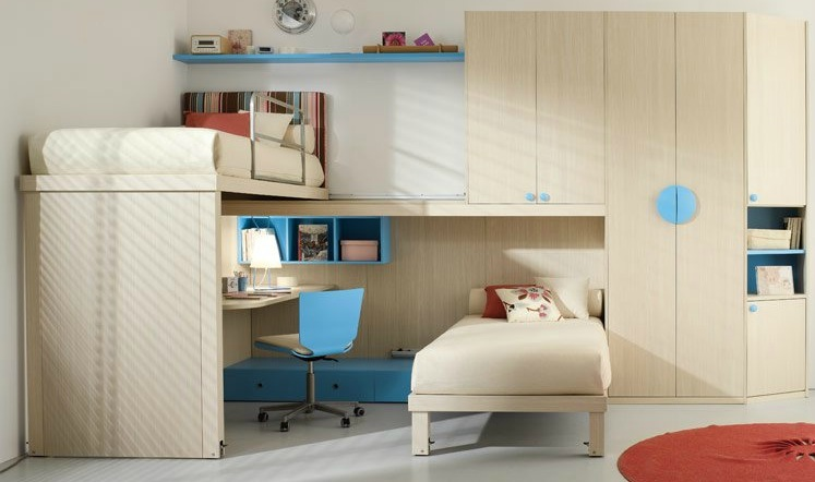 shared-kids-room-in-beige-and-blue