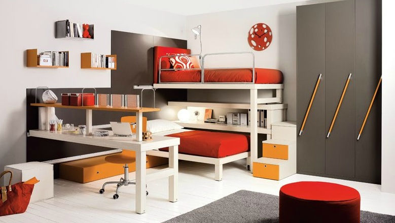shared-kids-room-in-red-and-brown
