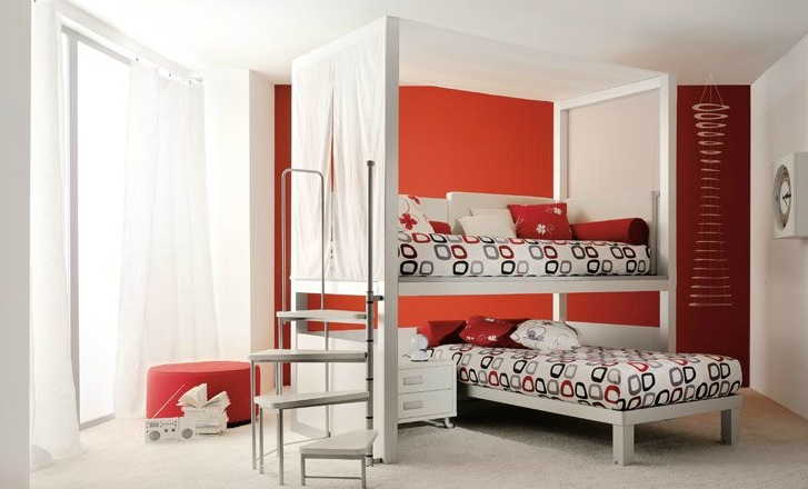 shared-kids-room-in-red-and-white-2