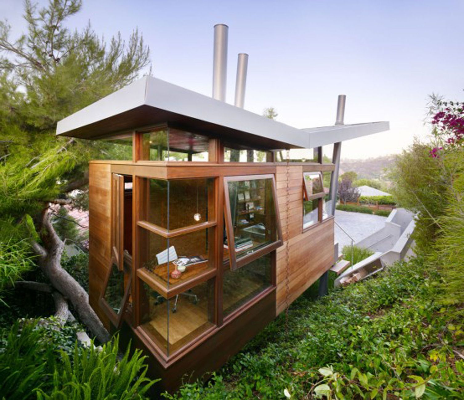 unique-modern-architecture-of-asian-style-house-using-wood-materials-combined-with-glass-walls